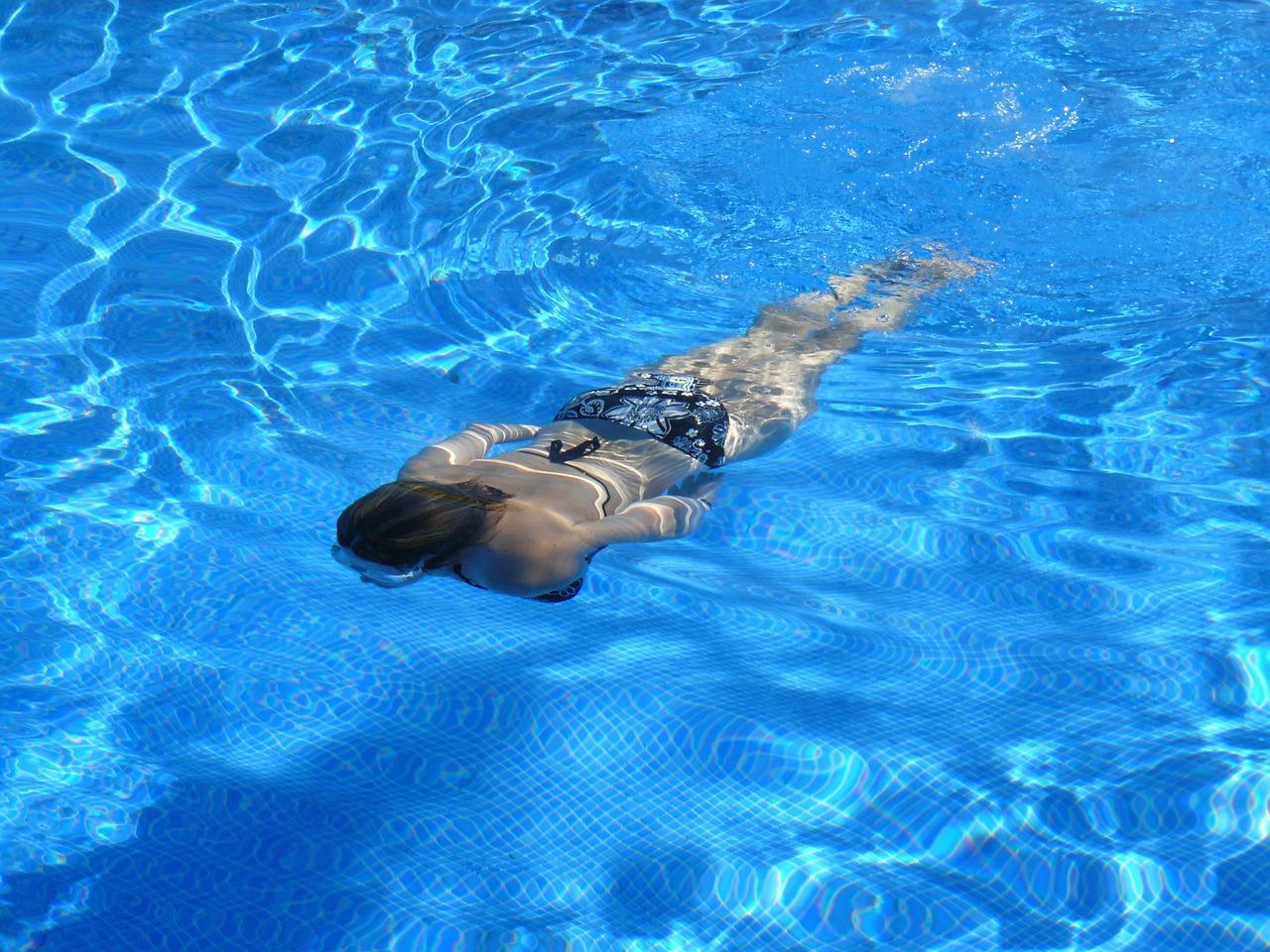 comportamiento en una piscina